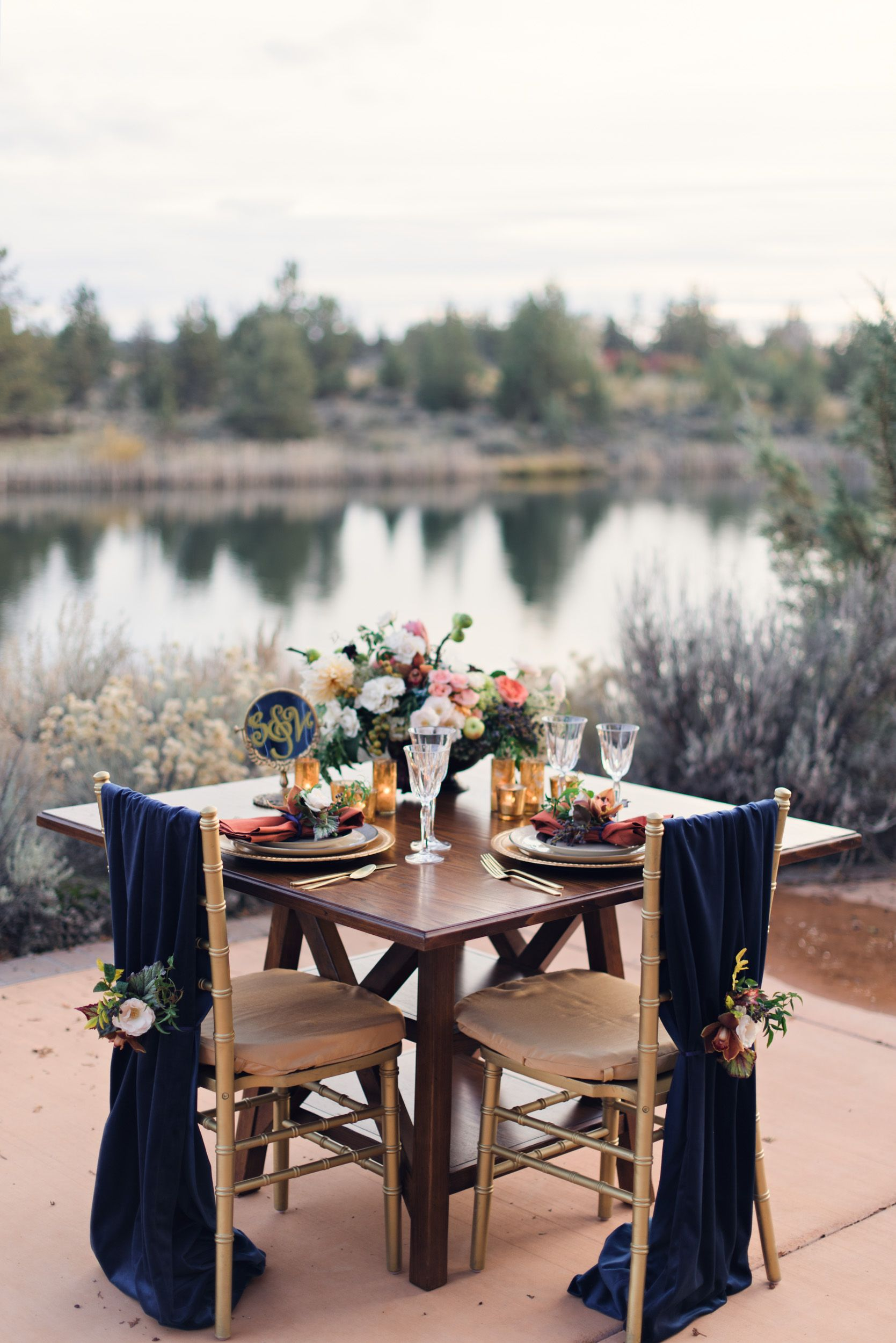 Ranch at the Canyons Styled Shoot      Photographer | Benjamin Edwards Photography  Coordination & Design | Events by Mint  Floral | Mint Floral   Bride's Dress | Bella Brides Bend  Tux | Black Tux  Hair & Makeup | Kate Tuma  Linens | La Tavola Fine Linens  Rentals | West Coast Event Productions  Cake | Foxtail Bakery  Paper Goods & Calligraphy | Shari Denfeld  Signage & Calligraphy | Chalked Hand Lettered