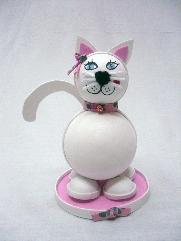 Fofucha caracterizada en un gato.