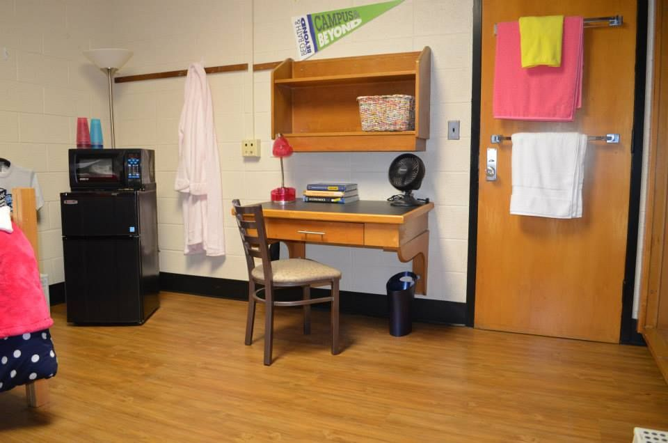 A Look At A UNC First Year High Rise Room On South Campus ( · Dorm  DecorationsDorm IdeasRes LifeChapel HillDorm ... Part 30
