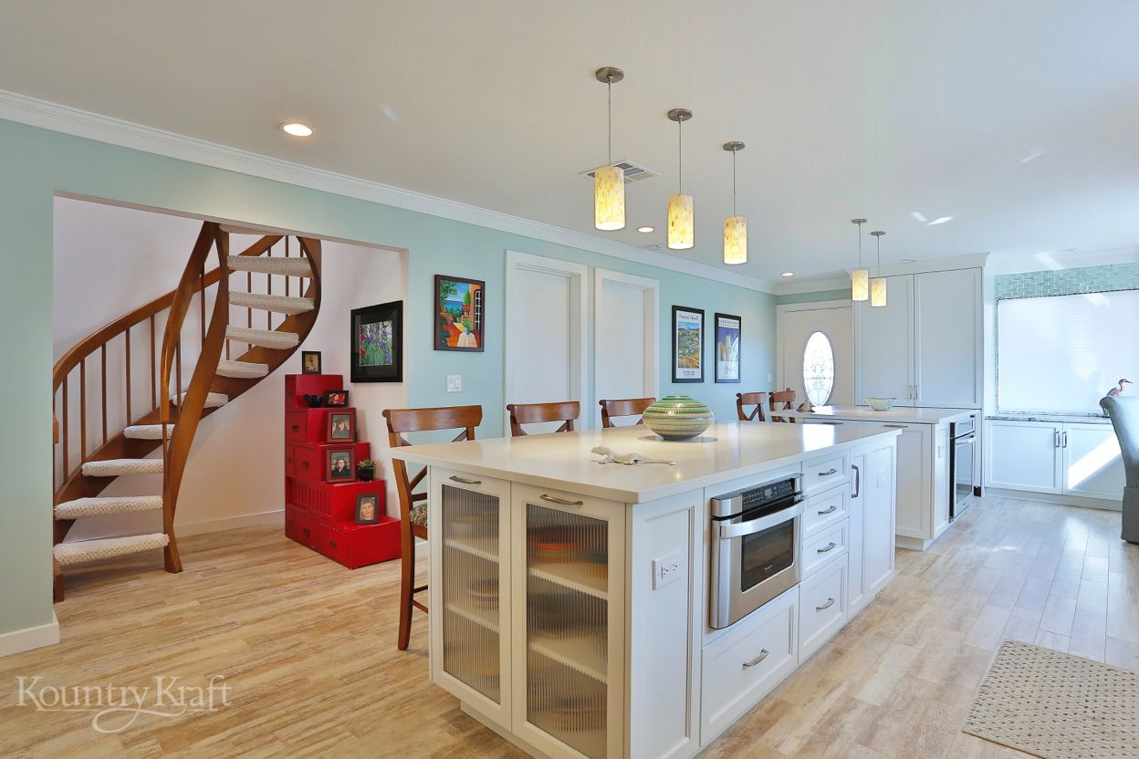 Transitional White Cabinets In Venice Fl Custom Kitchen Cabinets Design Custom Kitchen Cabinets House Flooring