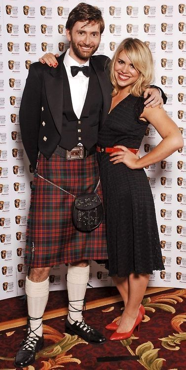 david tennant and billie piper// David is getting his Scotsman on!!!!!!
