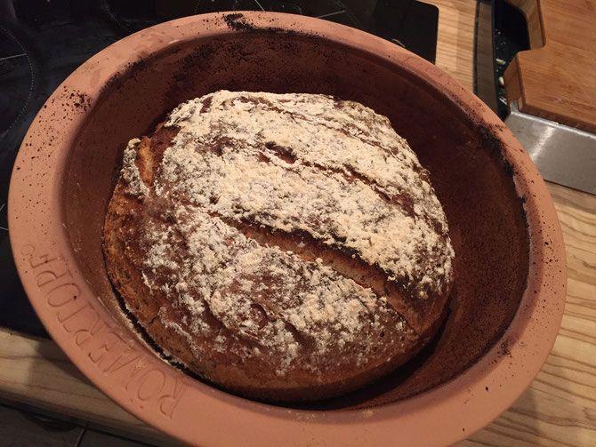 << Dinkel Brot mit Leinsamen und Joghurt <<  Rezept: www.facebook.com/hierKochtDieMaus