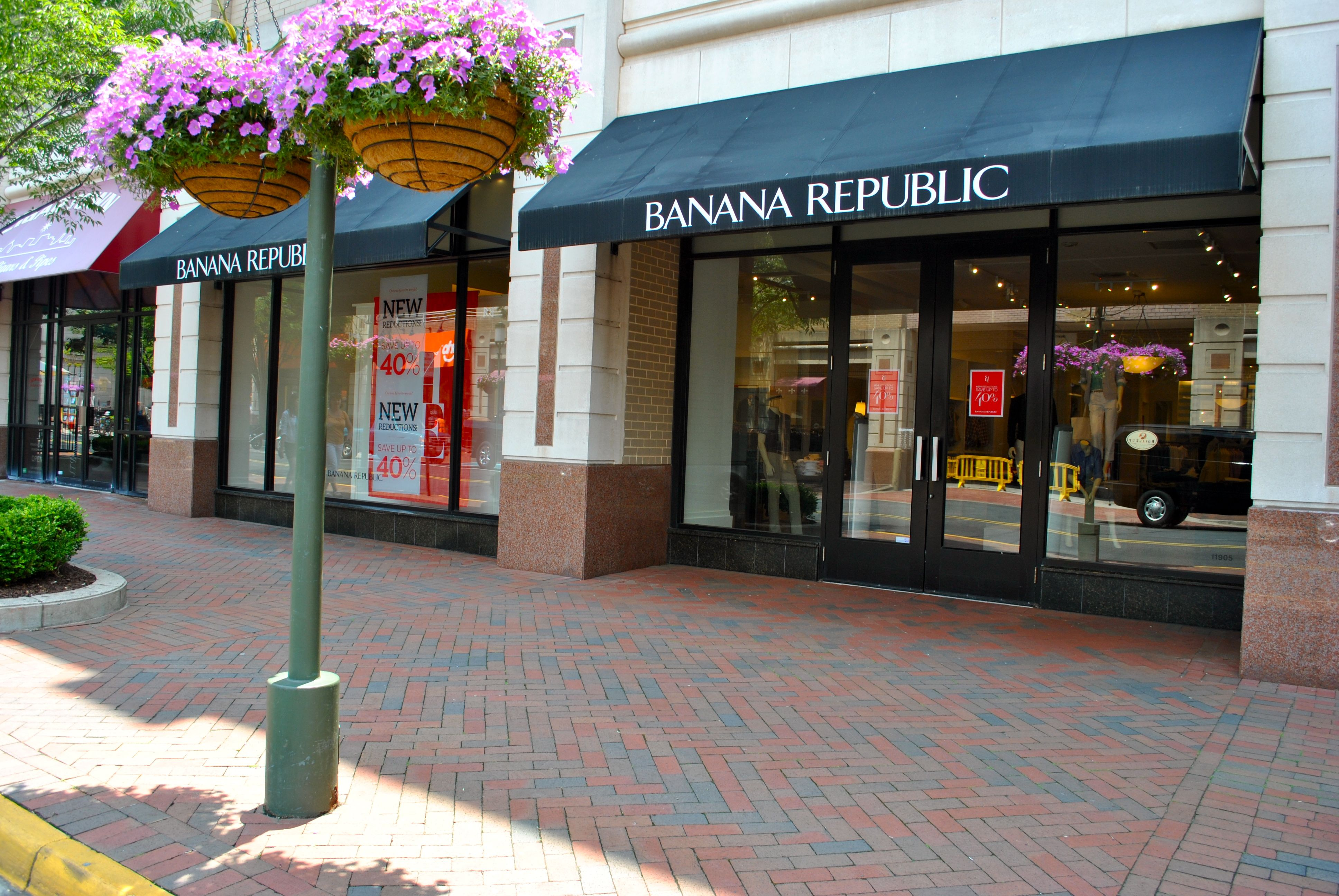 Banana Republic On Democracy Drive At Reston Town Center Reston
