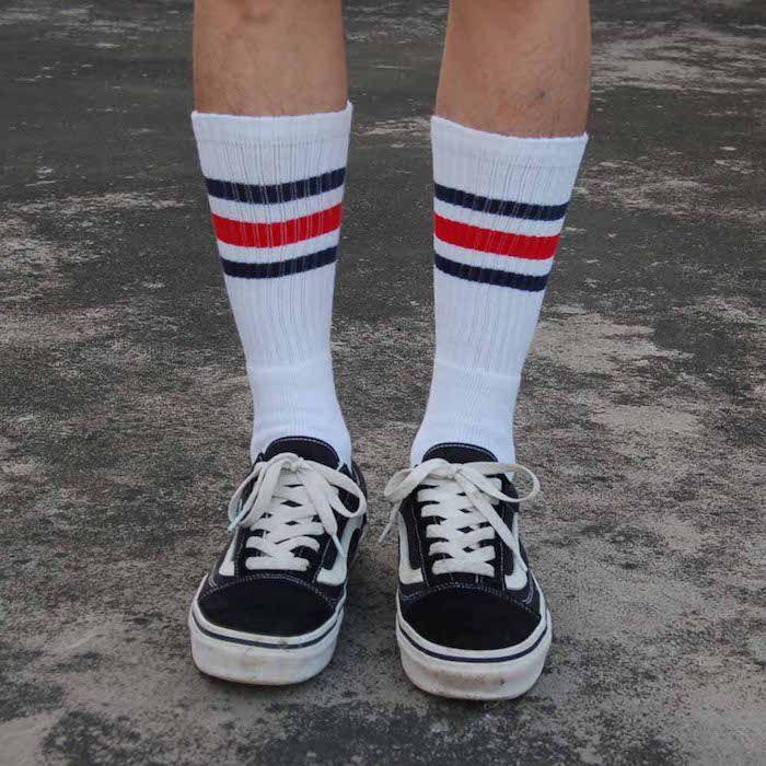 Comment porter la chaussette haute pour homme | Chaussettes ...