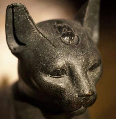 Statute of goddess Bastet