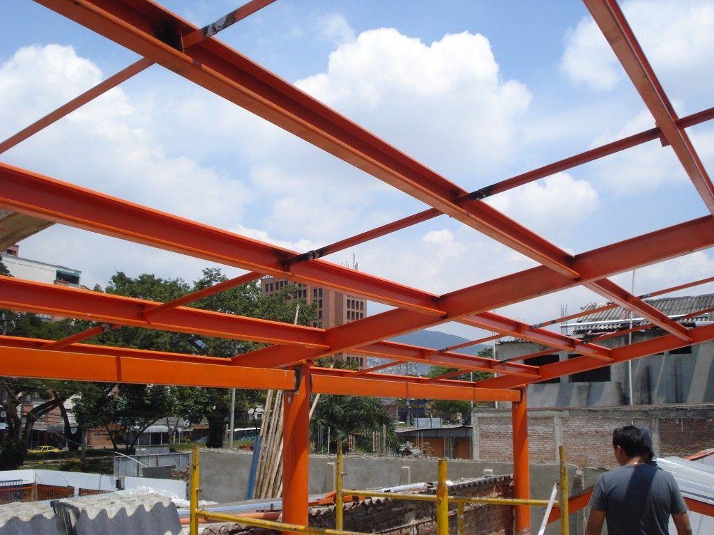 Dise o y construcci n de estructuras met licas para cielos - Estructura metalicas para casas ...