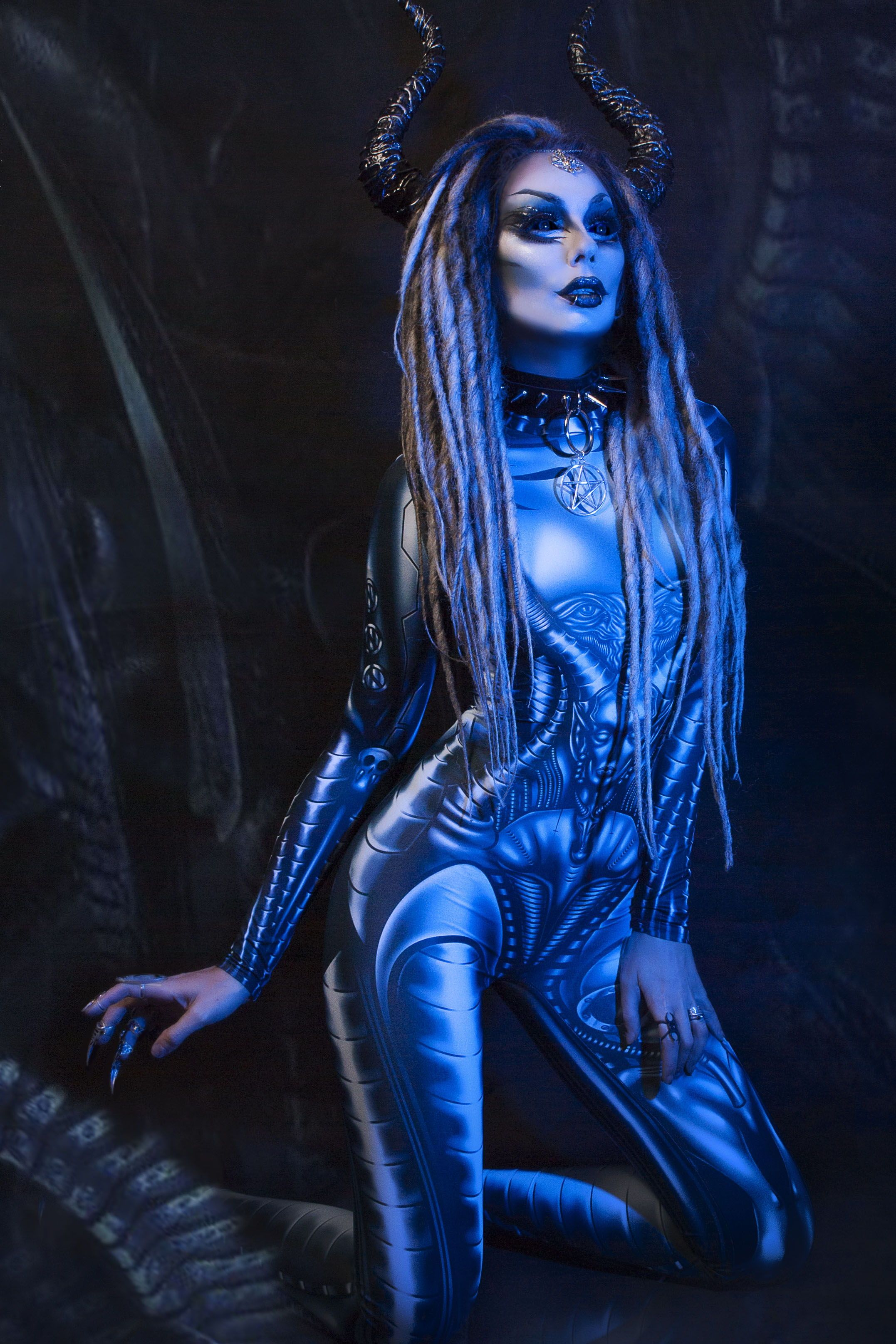Alien Queen Costume (With images) | Queen costume, Alien ...