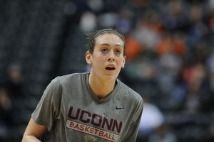 UConn's Breanna Stewart faces hometown Syracuse team she loved growing up
