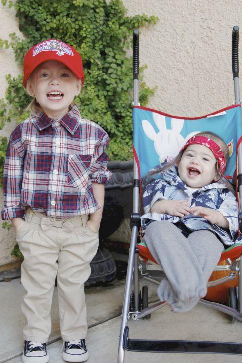 Siblings costume Forrest Gump  Lt Dan Sisters - sisters halloween costume ideas