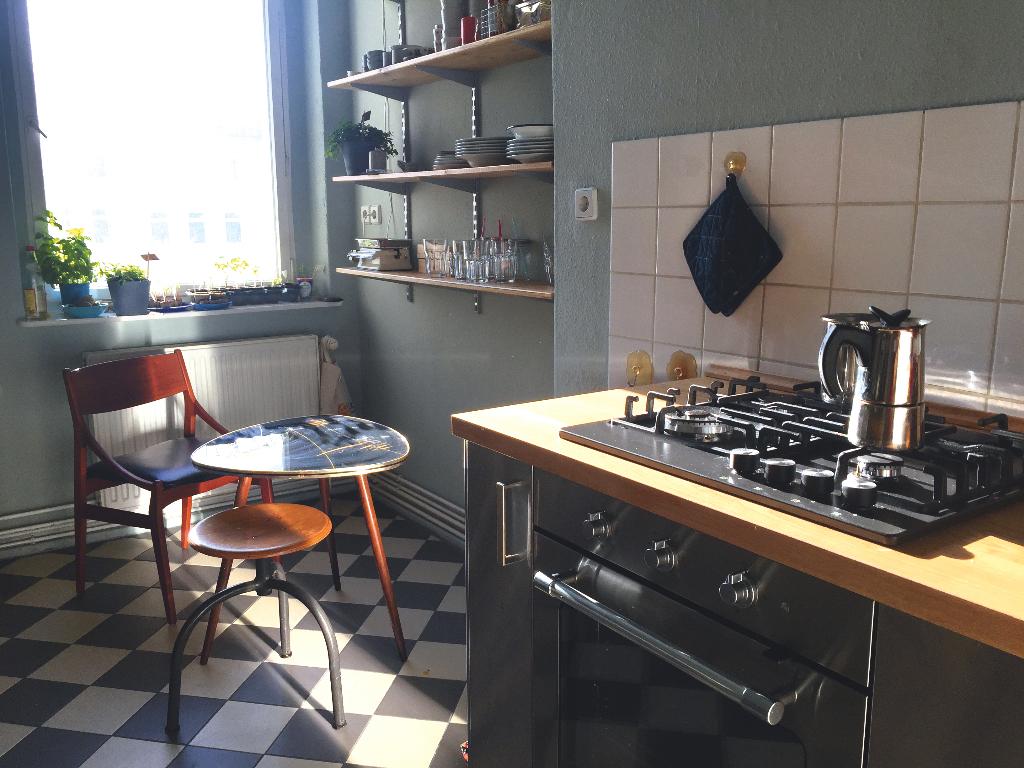 gemütliche #küche mit #retro flair. eine schwarze