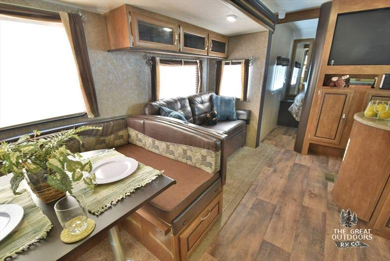 The Wildwood 31kqbts Is One Of The Best Travel Trailer
