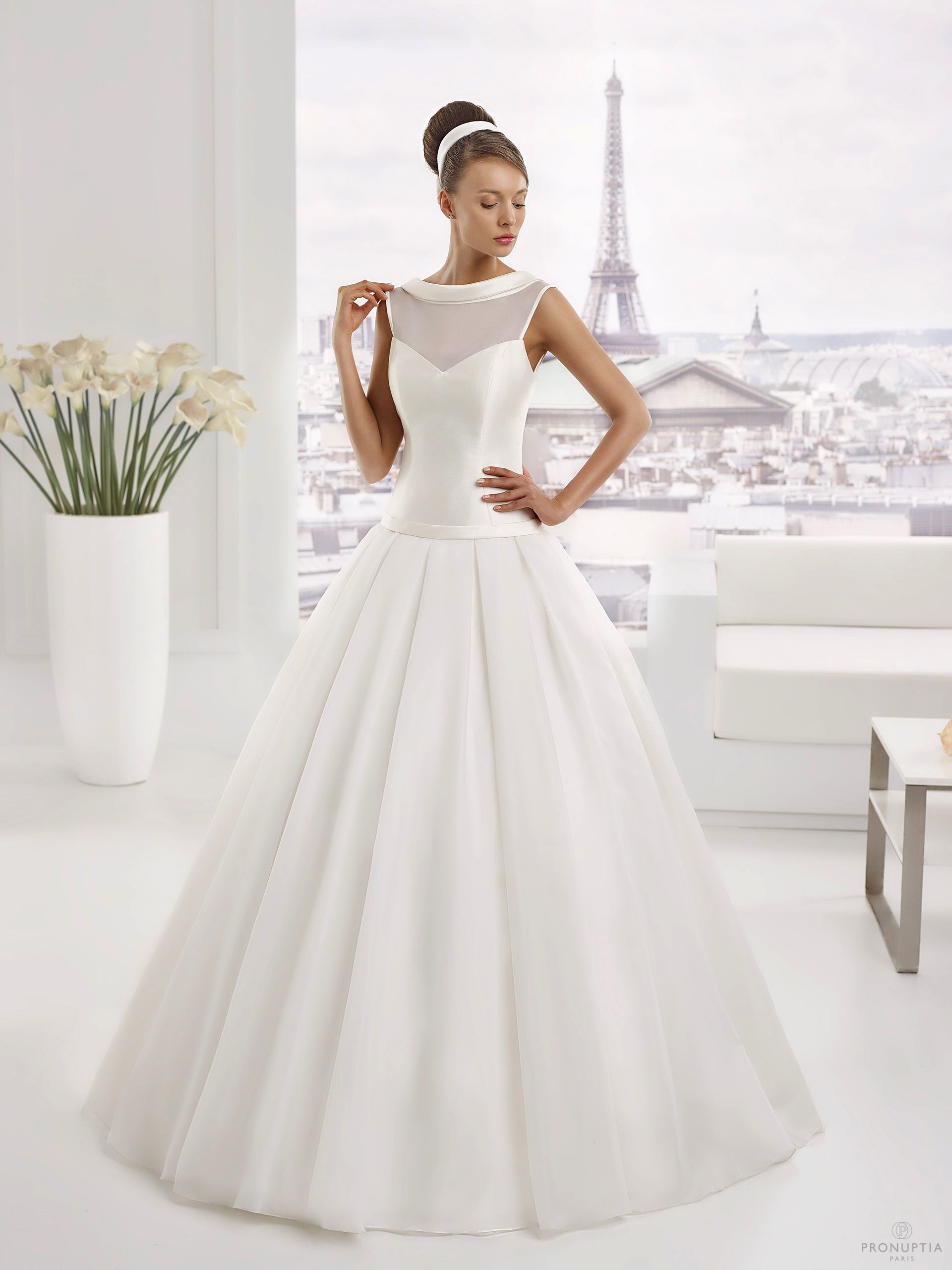 Robes de mariée Pronuptia, modèle Fabulite http://www.pronuptia.com/fr