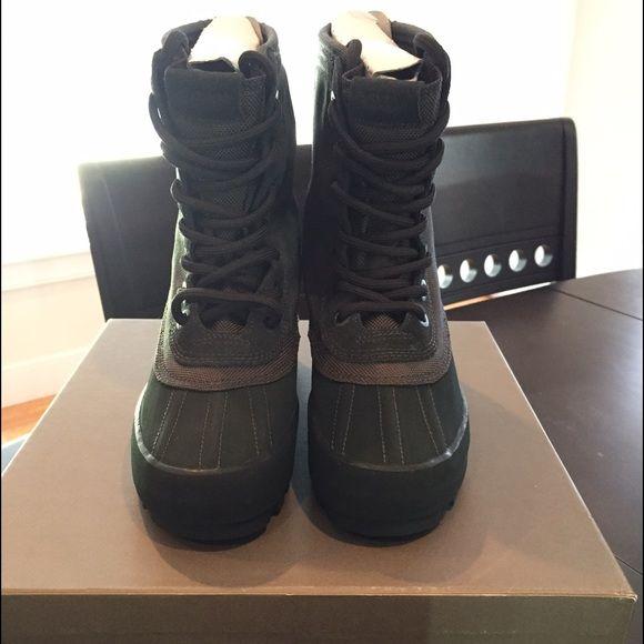 Authentic adidas Yeezy 950 Boot Pirate Black