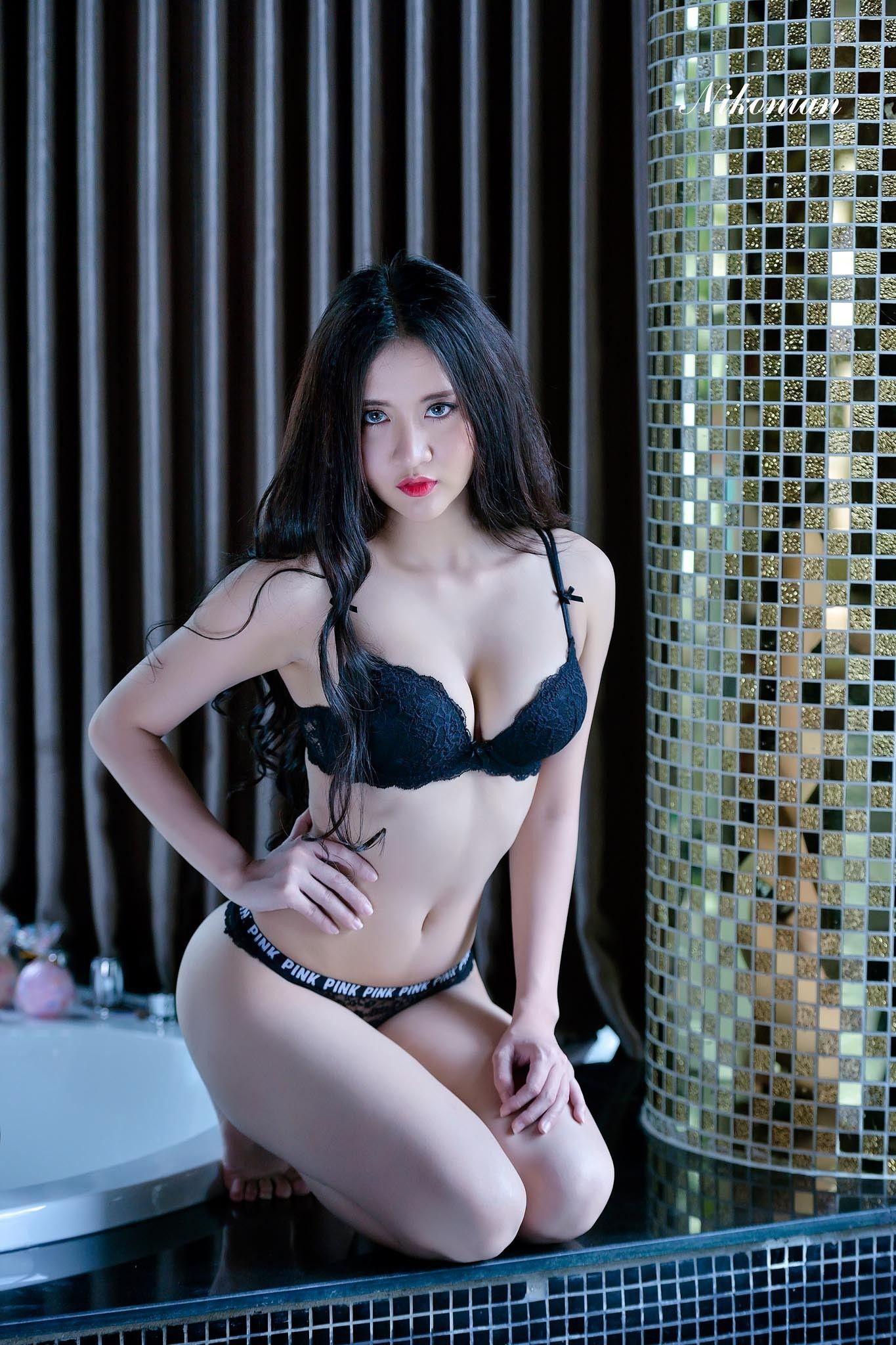 Nude art asia: Vintage Fashion in Asian Woman Magazine
