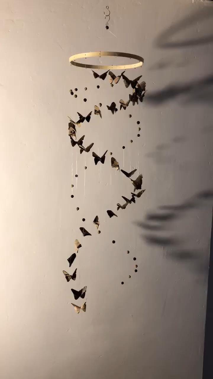 Mobile bébé hélice de papillons et perles