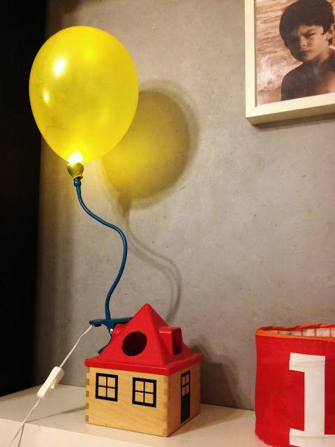 Mommo design 10 colorful ikea hacks bedside light kid s room ikea camerette e idee creative - Cameretta neonato ikea ...
