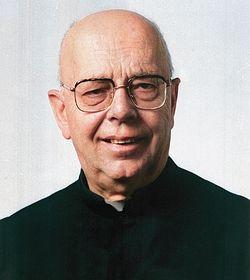 Padre Gabriele Amorth fez 70 mil exorcismos e é o exorcista mais poderoso da Igreja, que lhe envia os casos mais difíceis - como o do rapaz que se encontrou com o Papa Francisco na Praça de São Pedro