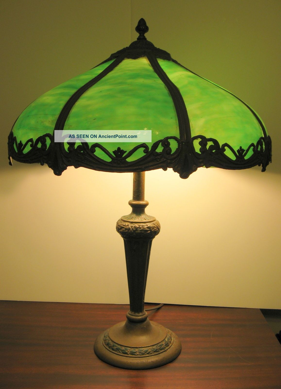 Antique 1920s 8 Panel Green Slag Glass Table Lamp Polychrome Metal