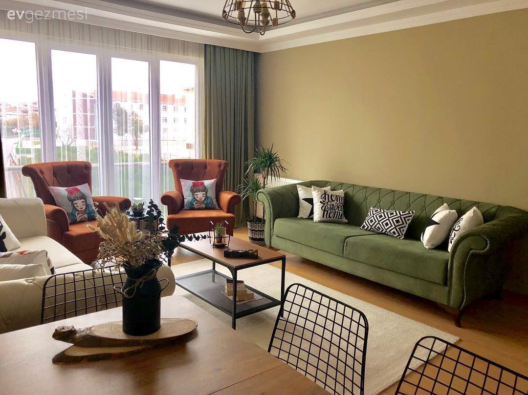 Bu Evde Renk Uyumlari Ve Stilden Ote Atmosfer On Planda Ev Gezmesi Oturma Odasi Dekorasyonu Oturma Odasi Fikirleri Oturma Odasi Tasarimlari