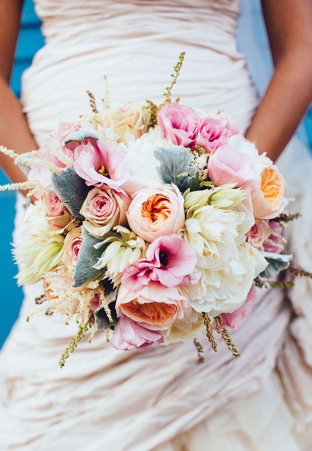 a2044f2ff2 One Couple's Natural Seaside Wedding in Hermosa Beach, CA   Wedding  Bouquets   Pinterest   Ramos, Ideas de boda y Ramos de novia
