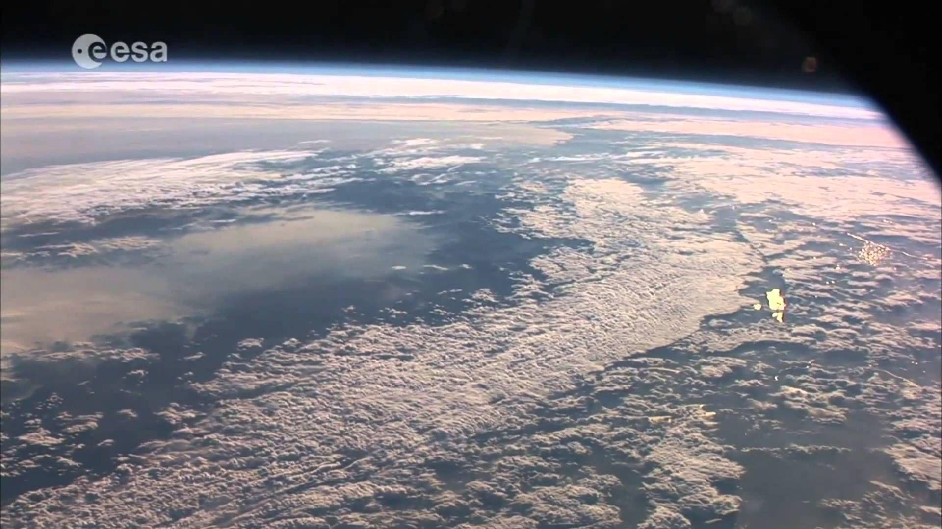 شاهد كوكب الأرض من الفضاء رائع جدا 1080 Hd Airplane View Earth Art Music