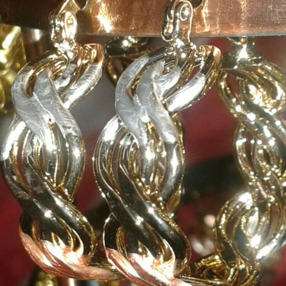 Loop three color earing gold copper silver. Loop three color earings washed in gold washed  in gold it wont change   Jewelry