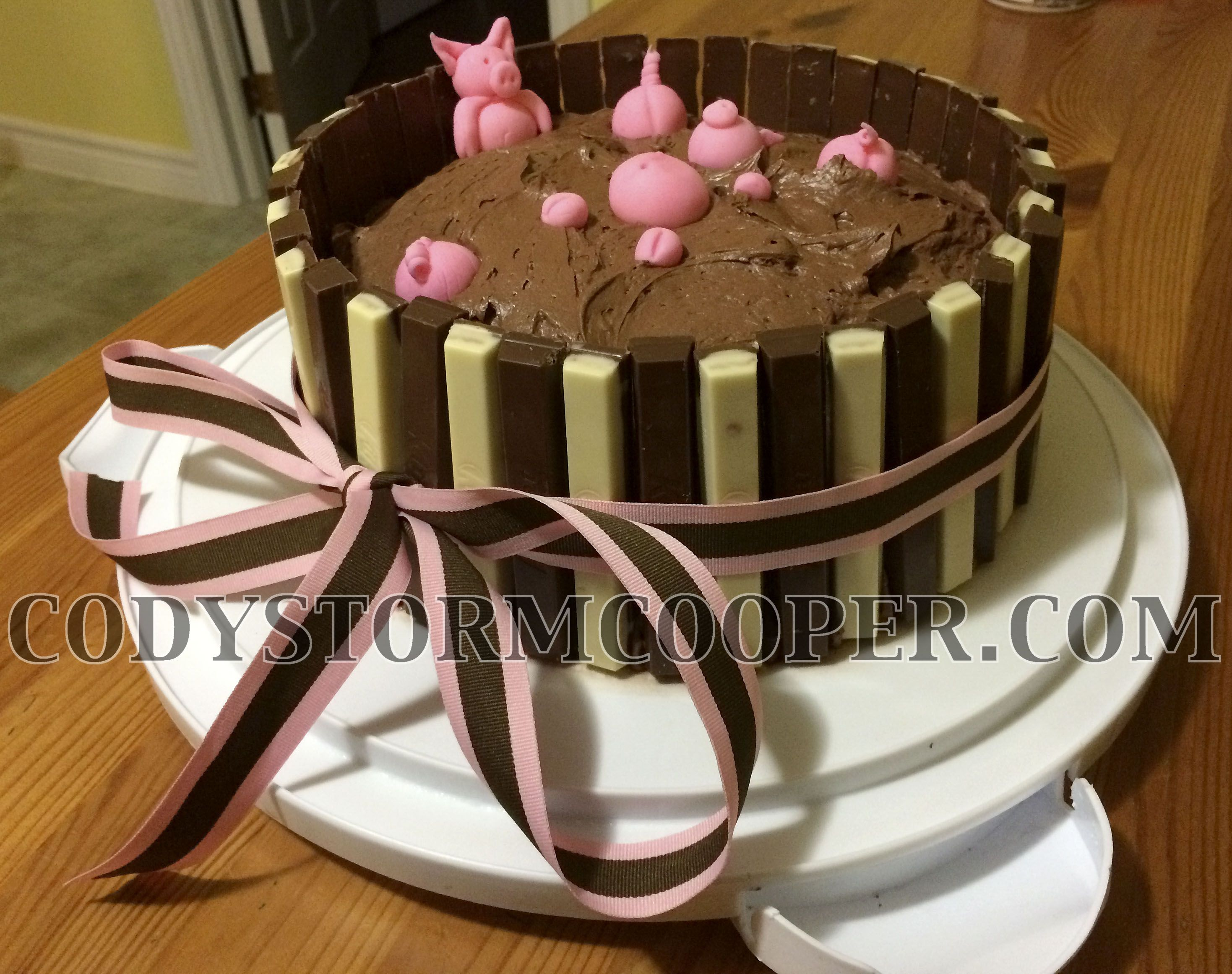 My rendition of the KitKat Bar Swimming Pig cake using limited edition white Kit Kat bars mixed with the traditional chocolate bar.