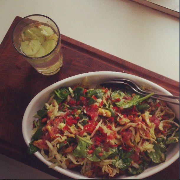Varm thai-kyllinge salat med appelsin-soyadressing | lækre salater | Pinterest | Salater