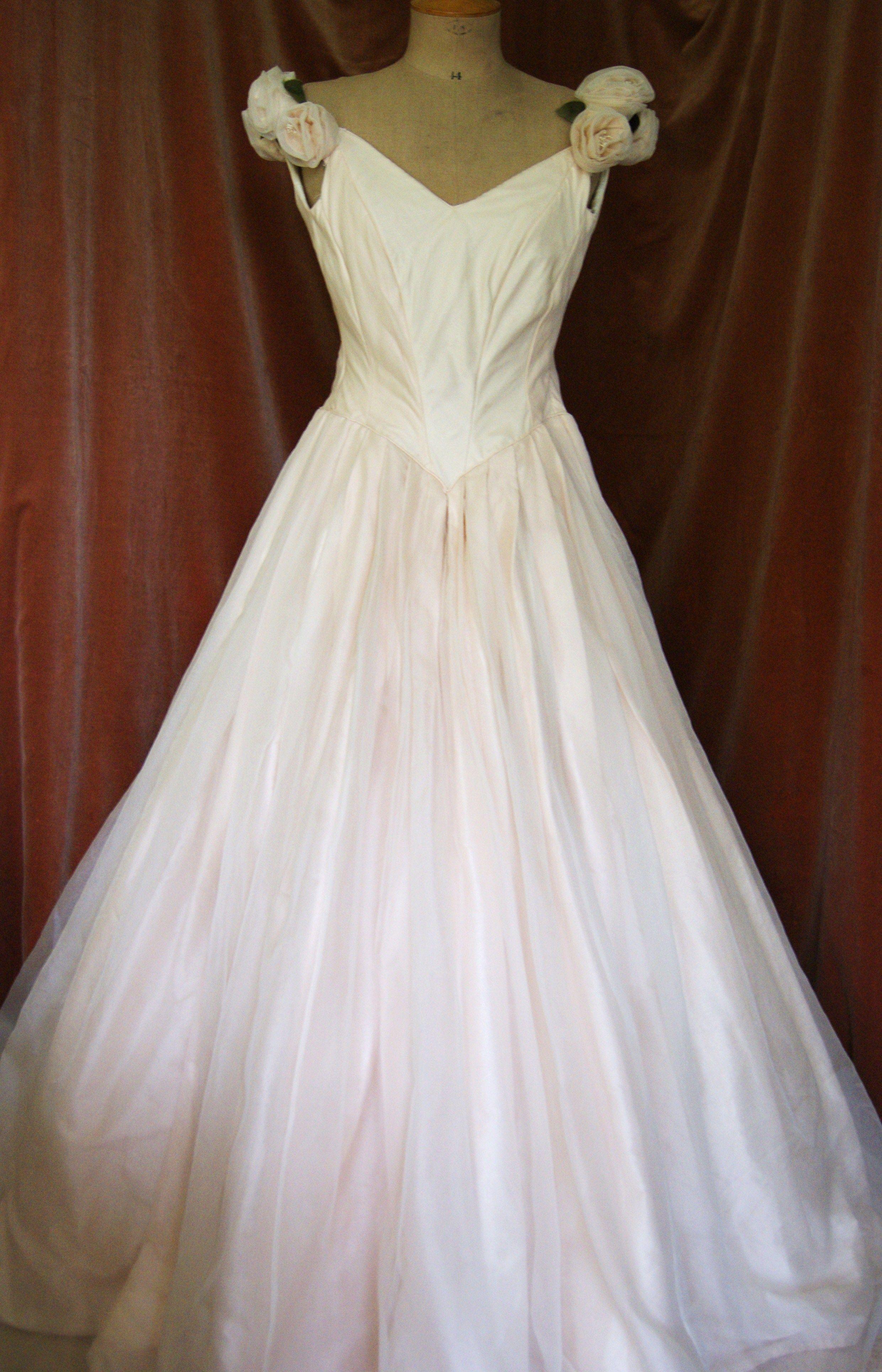 1940s Vintage Wedding Dresses 1940s wedding dress made