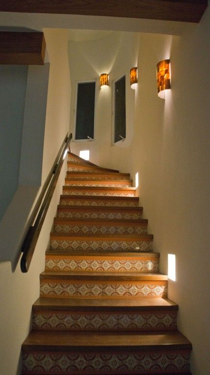 Wall Sconces Staircase : Isla Mujeres house rental - Gorgeous stairway with solid onyx wall sconces & Hardwood stairs ...