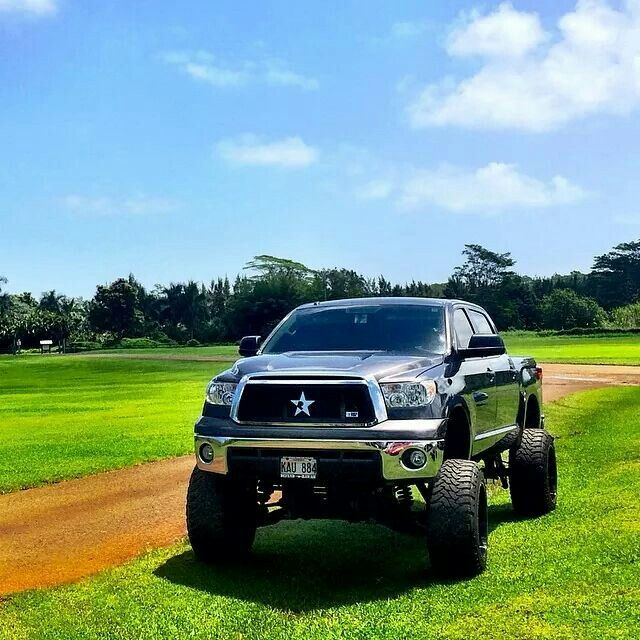 New Toyota Tundra Diesel: Toyota Tundra Lifted And Mud Kit