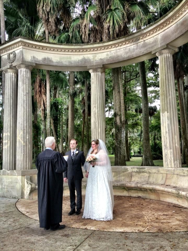 I officiated the wedding of Dale Porter and Stephanie Marshall at Kraft Azalea Gardens.  Randy Chapman was the photographer.  The couple are from Lakeville, Minnesota.
