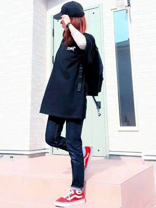 X-girlのゆるTお気に入り♡ インディゴデニムを合わせたら全体的に暗くなったので、スニーカーを赤