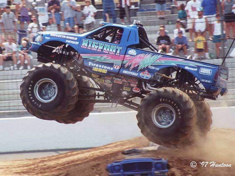 Bigfoot 15 With Images Monster Trucks Big Trucks Cool Trucks
