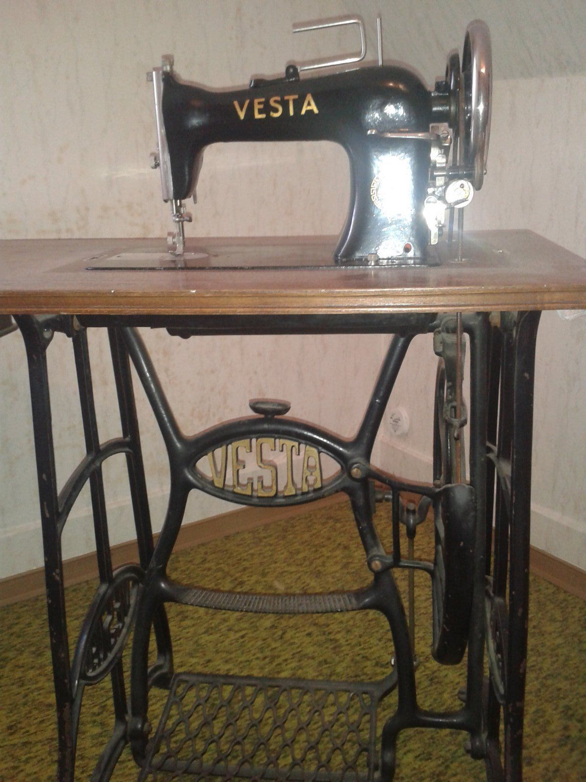 Vesta treadle sewing machine