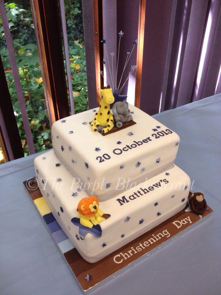 Bottom tier rich fruit cake / top tier classic vanilla sponge with ...