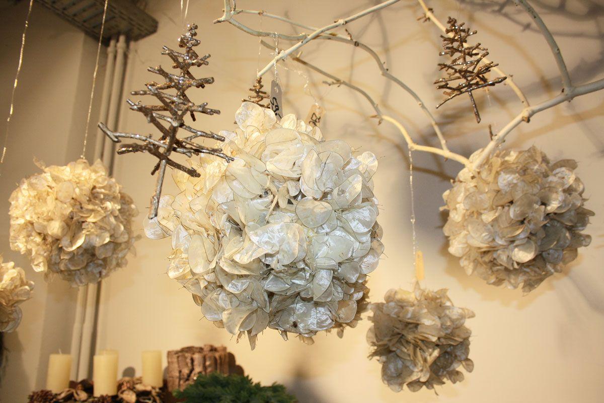 Silberblatter Als Kugel Dekoration Zum Aufhangen Dekoration