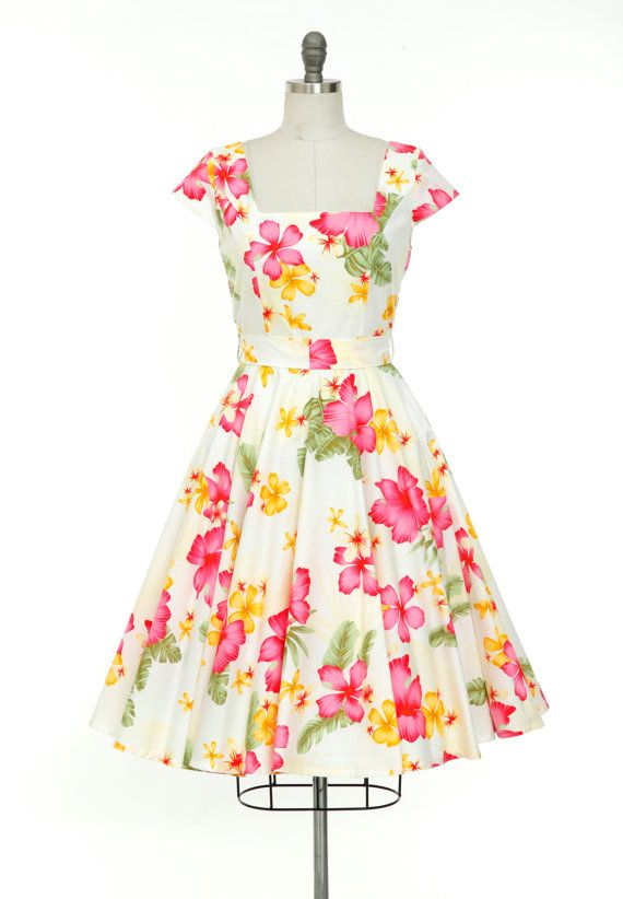 8af2ce6735 This is a gorgeous Tropical Dress Pin Up Dress Hawaiian Dress Hibiscus  Flower Dress Tiki Dress Vintage Style Dress Holiday Dress Floral Dress Plus  Size ...