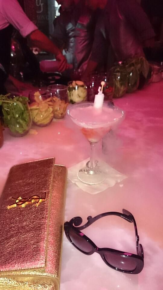 Waiting for Bobby Doreen and Fam having a watermelon martini with nitrogen and a champagne popsicle!! Barton G #champagnepopsicles Waiting for Bobby Doreen and Fam having a watermelon martini with nitrogen and a champagne popsicle!! Barton G #champagnepopsicles