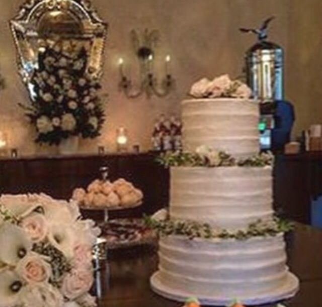 a classically chic textured buttercream cake at villa woodbine by