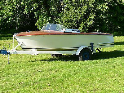 Classic Italian Style Wooden Vintage Speed Boat Yacht By Anchorage