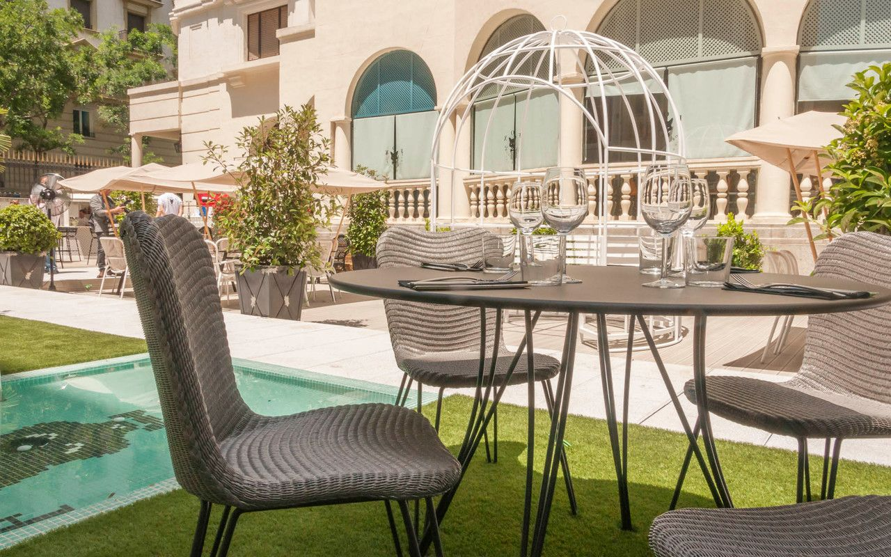 Terraza Fox Garden restaurante Fox Cook & Sound Madrid