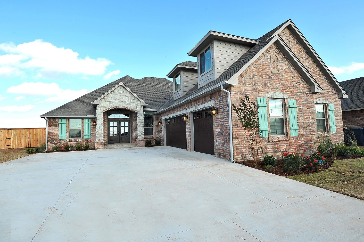 Garage Builders Okc Love This Look The Double Front Door And The Side Entry Garage