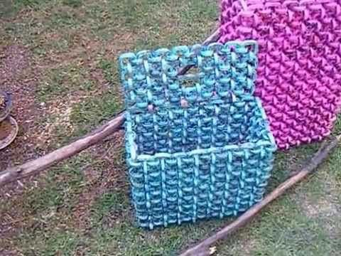 Como hacer una canasta de papel periodico - A basket of newspaper - tutorial - YouTube
