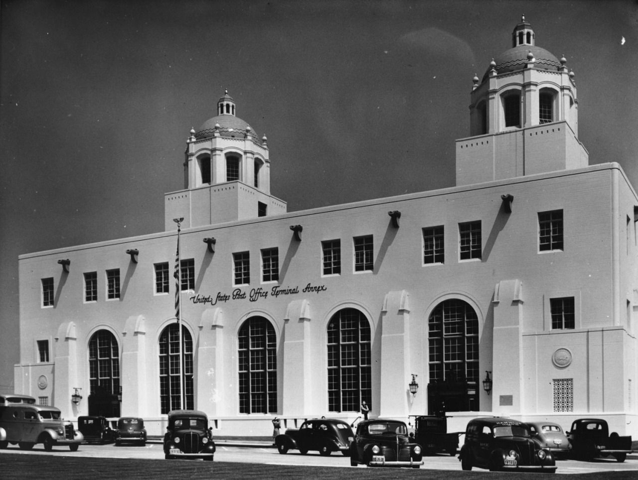 New United States Post Office Terminal Annex At Alameda And Macy