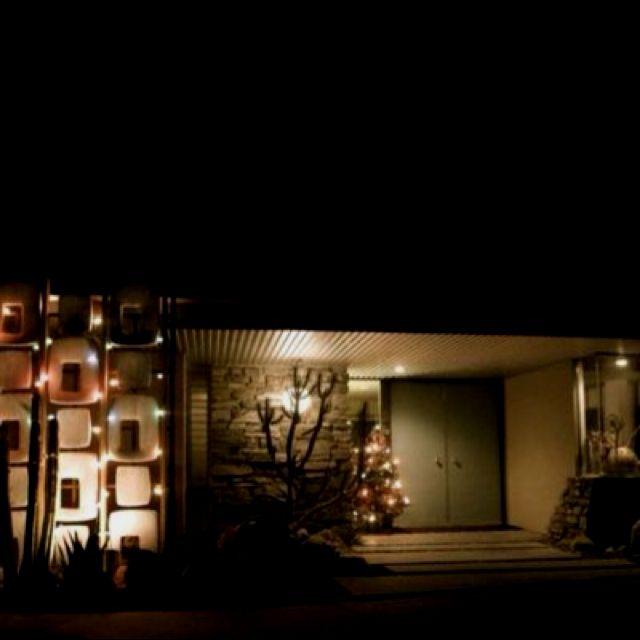Mid Century Landscape Lighting For Christmas Mid Century Christmas Mid Century Interior Design Mid Century Landscaping
