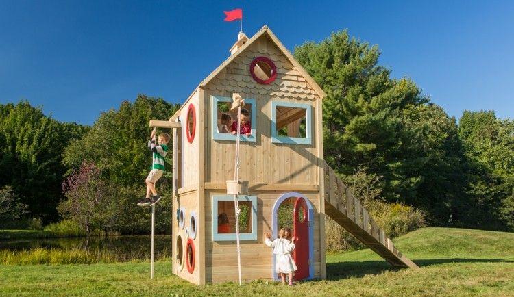 Kinderspielhaus Aus Holz Mit Kletterseil | Kinder Im Garten ... Kinder Spielhaus Garten