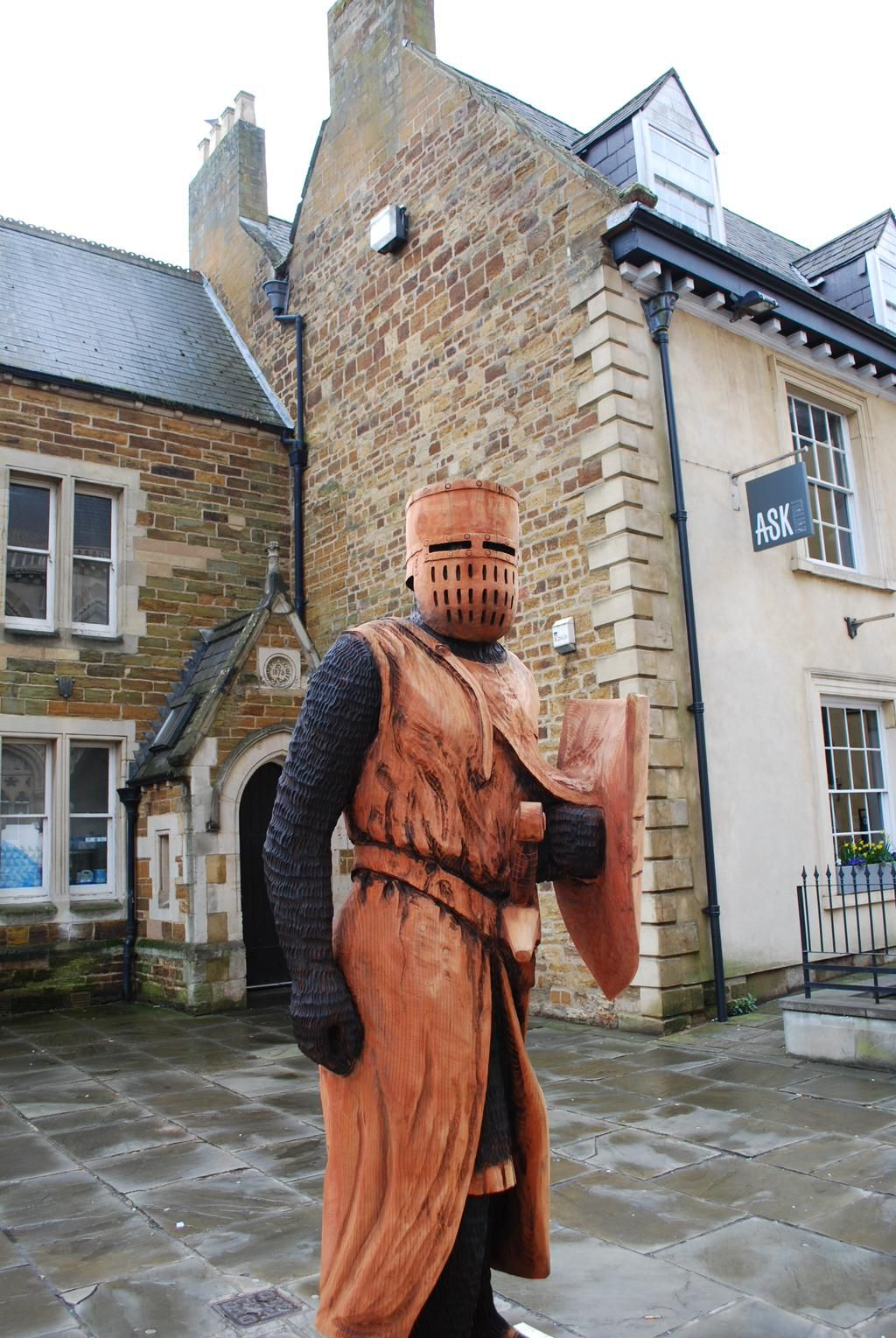 NORTHAMPTON KNIGHTS SCULPTURES IMAGES - Google Search
