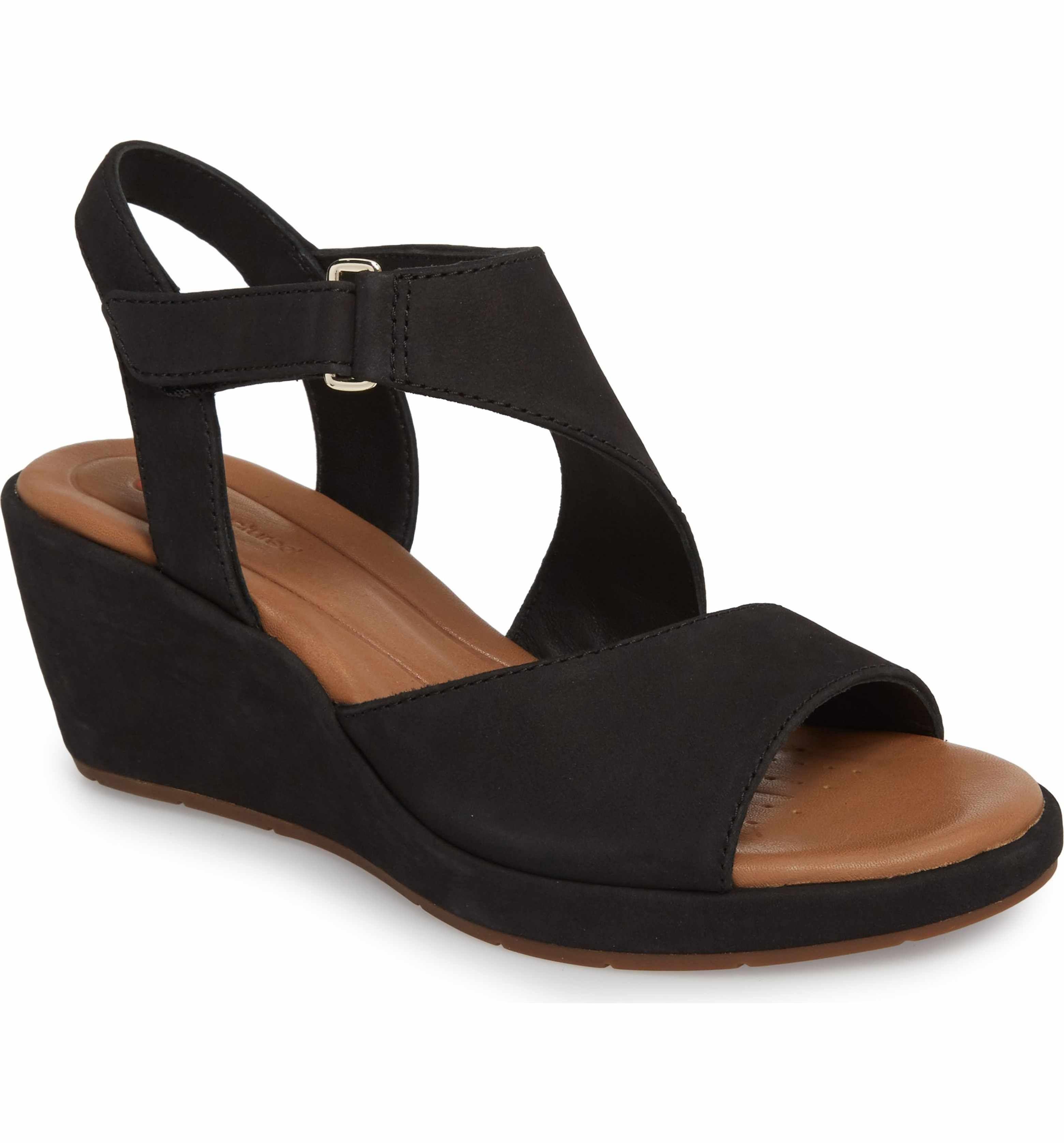cb7745f9bf29 Main Image - Clarks® Un Plaza Wedge Sandal (Women)