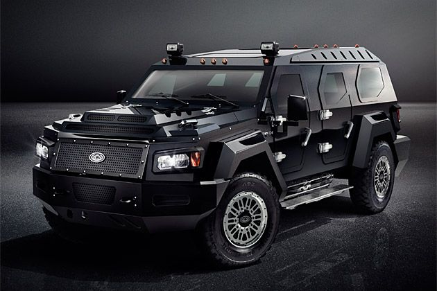 Conquest Evade 580 000 Built On A Ford F550 Super Duty Chassis This Tank Like Luxury Vehicle Offers A Commercial Grade Air Ride Suspensio Vehicles Suv Car